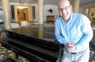 79978_59212_Oscar-de-Alfonso-Ortega-ayer-en-el-Gran-Hotel-Almeria_G